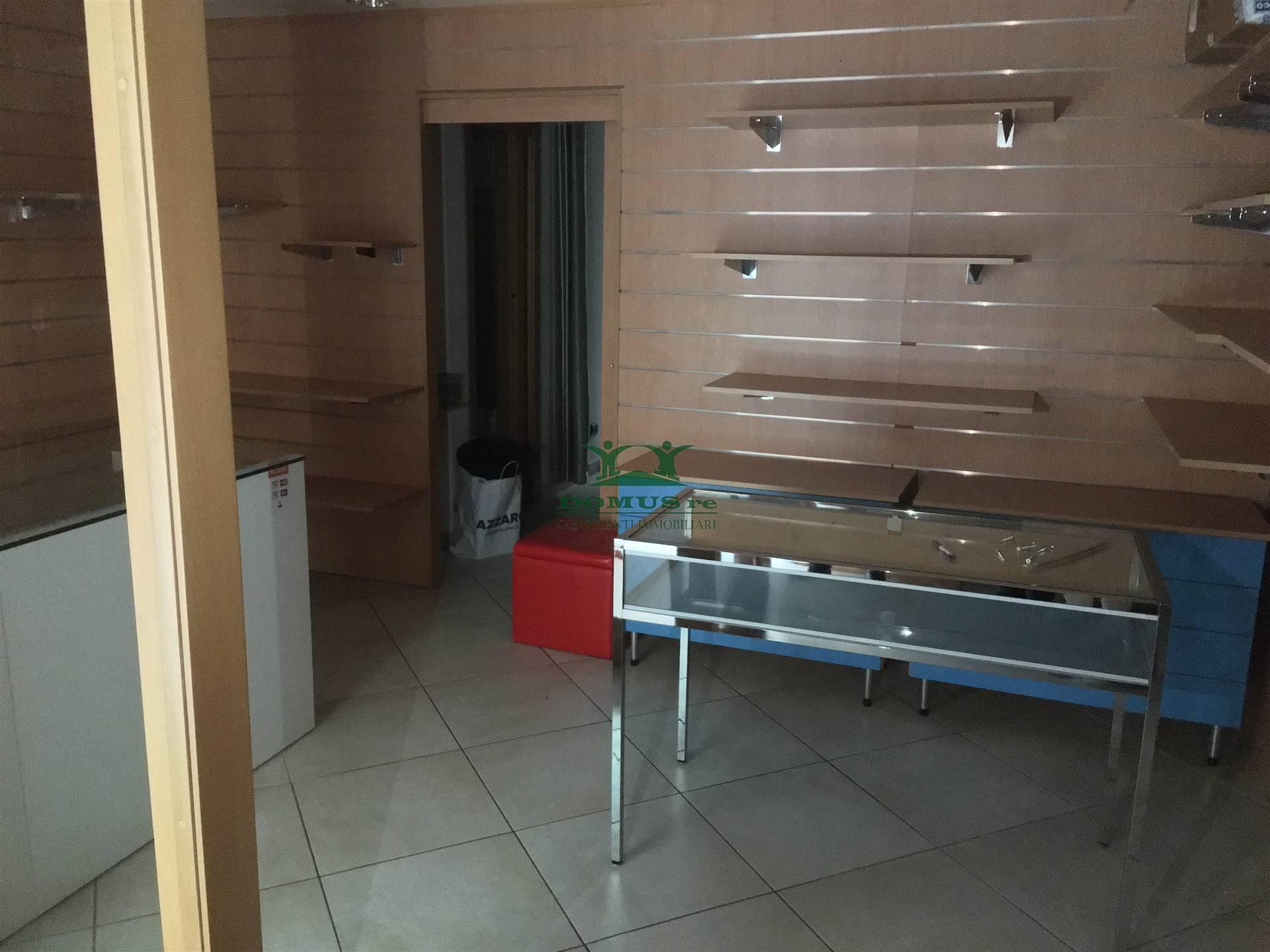 Immobile Commerciale in vendita a Molfetta, 1 locali, prezzo € 45.000 | CambioCasa.it