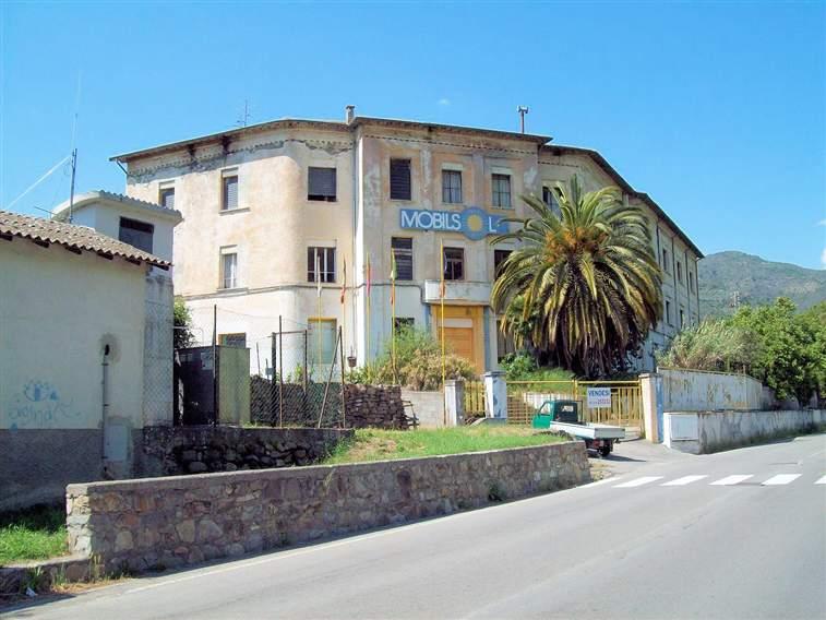 Immobile Commerciale in vendita a Dolceacqua, 25 locali, zona Località: ESTERNO BORGO, prezzo € 990.000 | CambioCasa.it