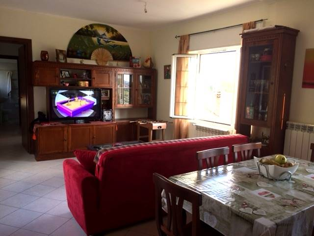 VENTIMIGLIA, Apartment for sale of 90 Sq. mt., Restored, Heating Individual heating system, Energetic class: G, placed at 1° on 1, composed by: 4