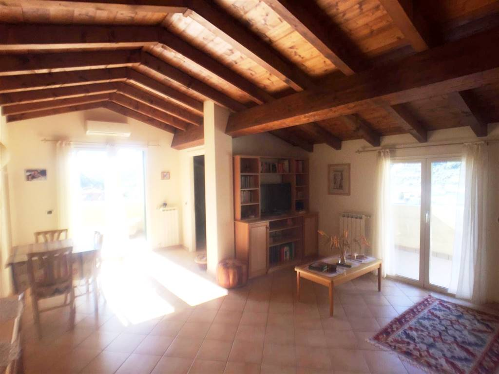 PORRA, VENTIMIGLIA, Apartment for sale of 85 Sq. mt., Almost new, Heating Individual heating system, Energetic class: G, placed at 3° on 3, composed