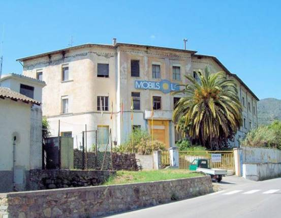 DOLCEACQUA, Farmstead for sale of 2300 Sq. mt., Be restored, Energetic class: G, composed by: 40 Rooms, Double Box, Parking space, Elevator, Garden