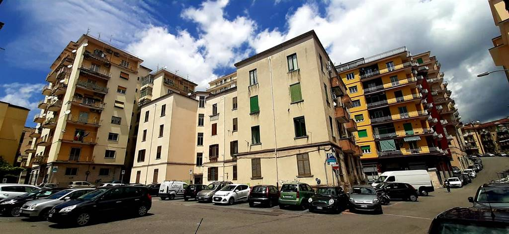 CENTRO, SALERNO, Apartment for sale of 61 Sq. mt., Restored, placed at 2°, composed by: 2 Rooms, Separate kitchen, 2 Bedrooms, 1 Bathroom, Balcony,