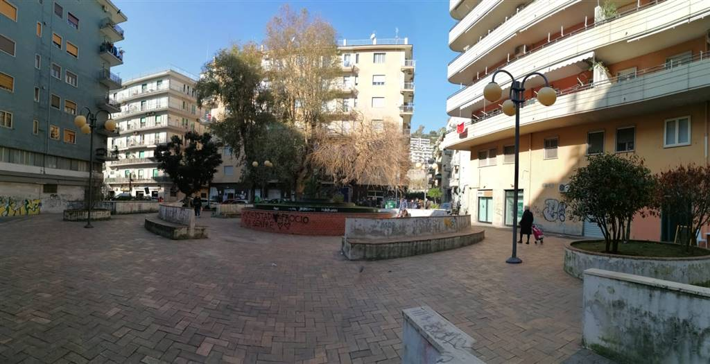 TORRIONE, SALERNO, Business unit for rent of 90 Sq. mt., placed at Ground, composed by: 2 Rooms, 1 Bathroom, Price: € 1,000