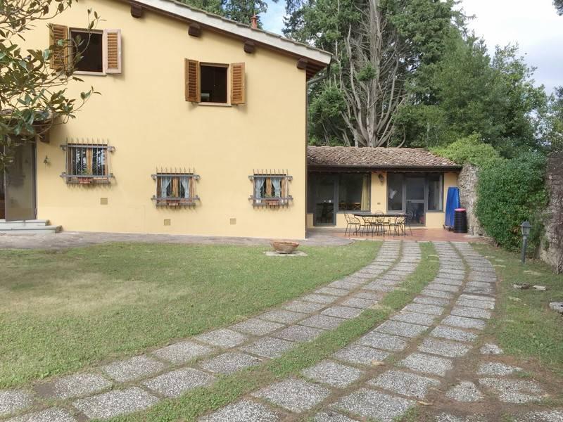 MOSCIANO, SCANDICCI, Villa per le vacanze in affitto di 190 Mq, Classe energetica: G, composto da: 8 Vani, Cucina Abitabile, Soggiorno doppio, 4