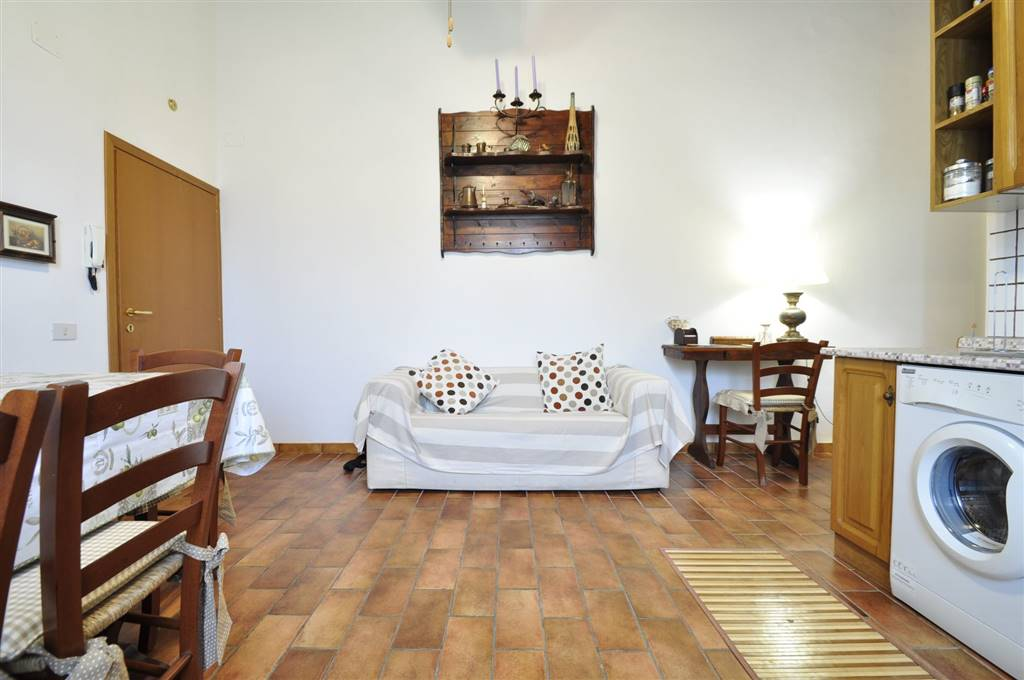 Appartamento in vendita a Suvereto, 3 locali, prezzo € 98.000 | CambioCasa.it