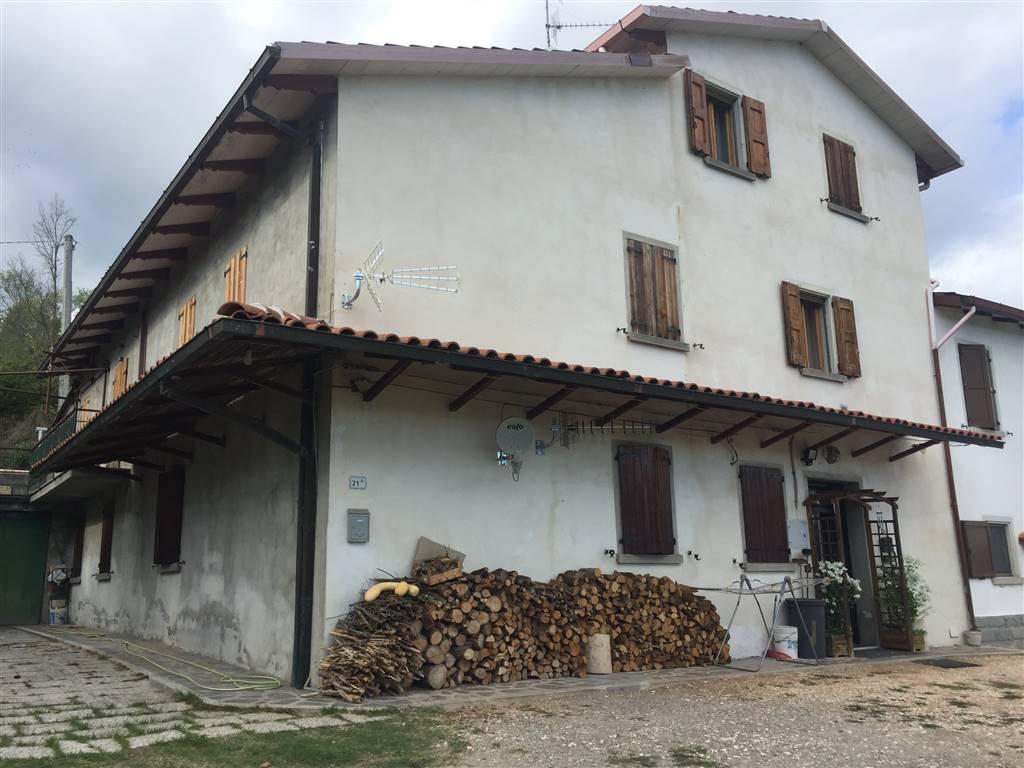 Appartamento in vendita a Vergato, 6 locali, prezzo € 115.000 | CambioCasa.it