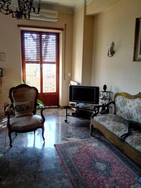 Quadrilocale, Cassia, Tomba Di Nerone, Olgiata, Roma, da ristrutturare