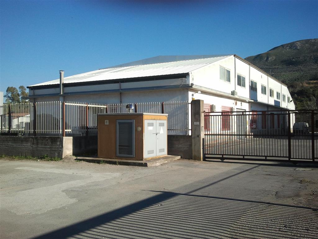 Capannone in affitto a Torrenova, 9999 locali, zona Località: TORRENOVA, Trattative riservate | CambioCasa.it