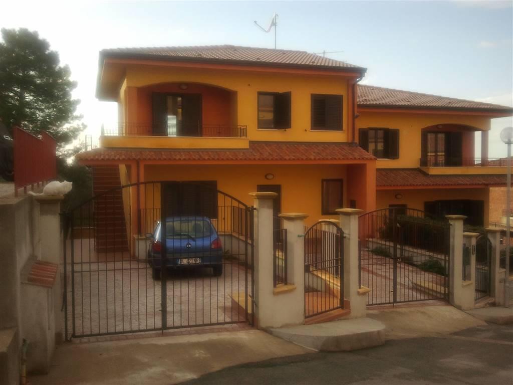 Appartamento in vendita a San Marco D'Alunzio, 5 locali, prezzo € 85.000 | CambioCasa.it