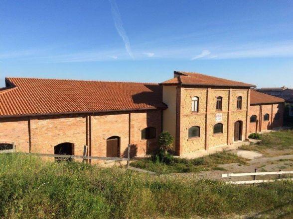 Attività / Licenza in affitto a Torrenova, 9999 locali, zona Località: TORRENOVA, prezzo € 2.000 | CambioCasa.it