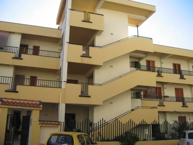 Appartamento in vendita a Torrenova, 4 locali, zona Località: TORRENOVA, prezzo € 85.000   CambioCasa.it