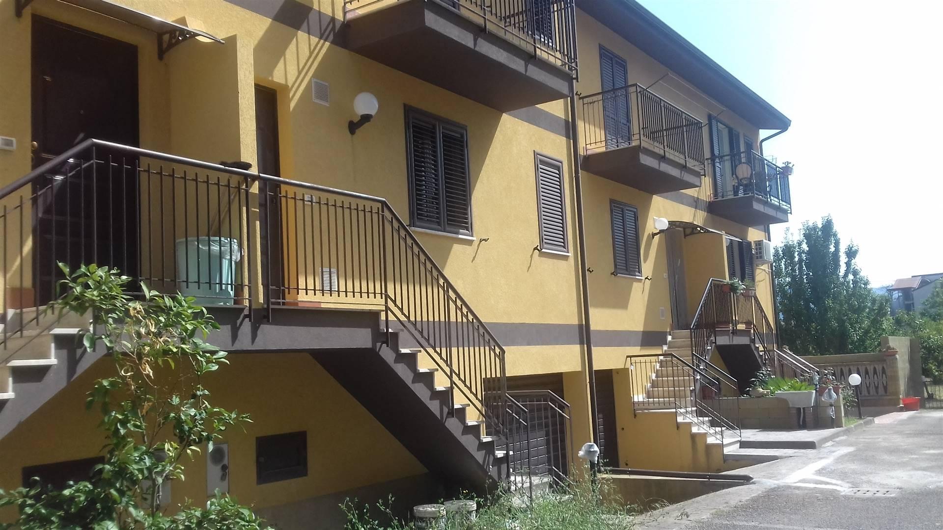 Villa a Schiera in vendita a Torrenova, 6 locali, zona Località: TORRENOVA, prezzo € 150.000   CambioCasa.it