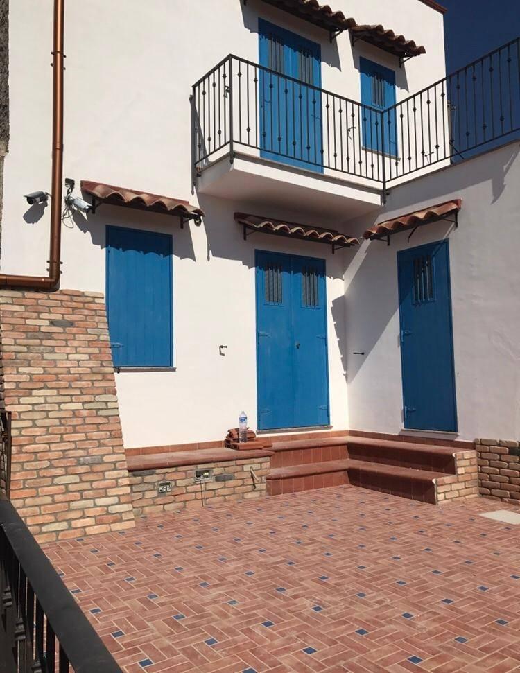 Rustico / Casale in vendita a Torrenova, 7 locali, zona Località: TORRENOVA, prezzo € 250.000   CambioCasa.it