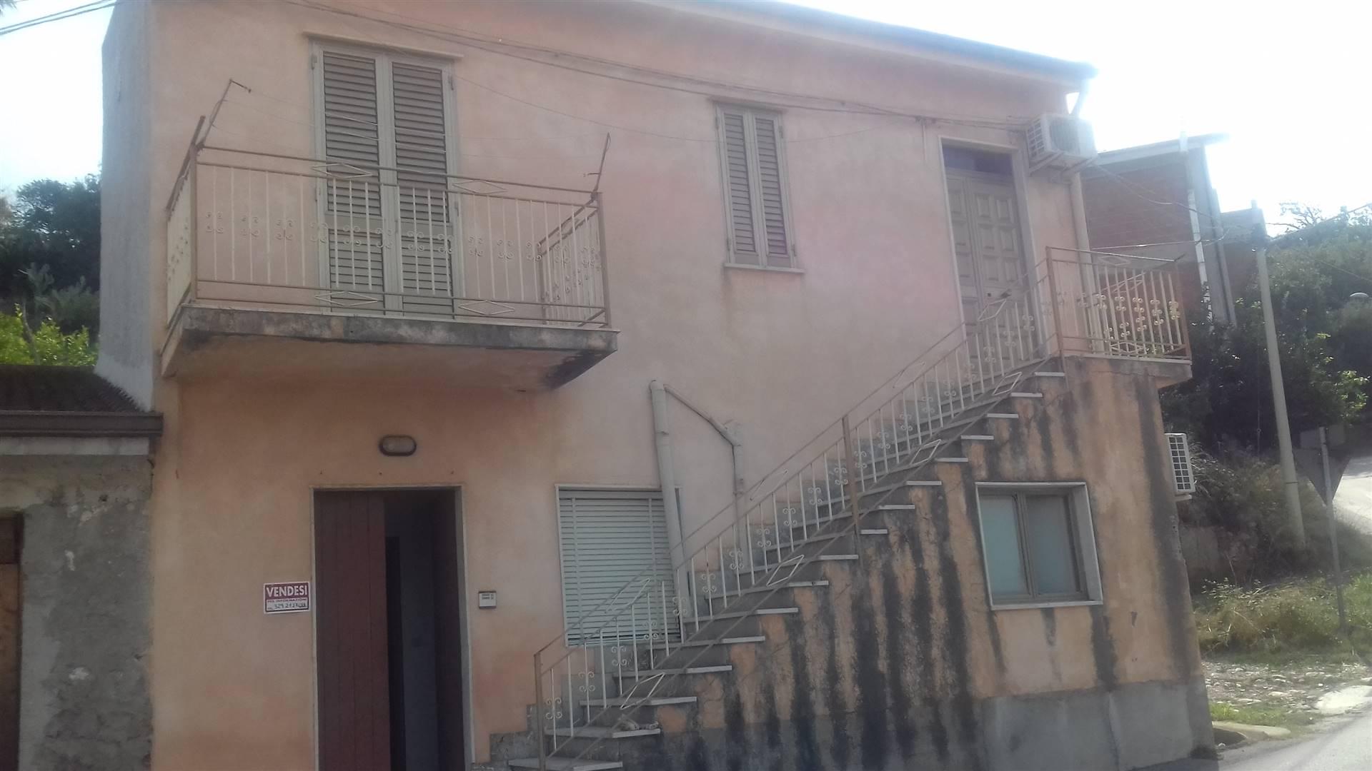 Soluzione Indipendente in vendita a Torrenova, 5 locali, zona Località: TORRENOVA, prezzo € 60.000 | CambioCasa.it