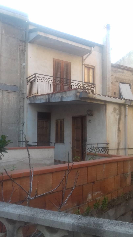 Soluzione Indipendente in vendita a Torrenova, 5 locali, zona Località: TORRENOVA, prezzo € 85.000 | CambioCasa.it
