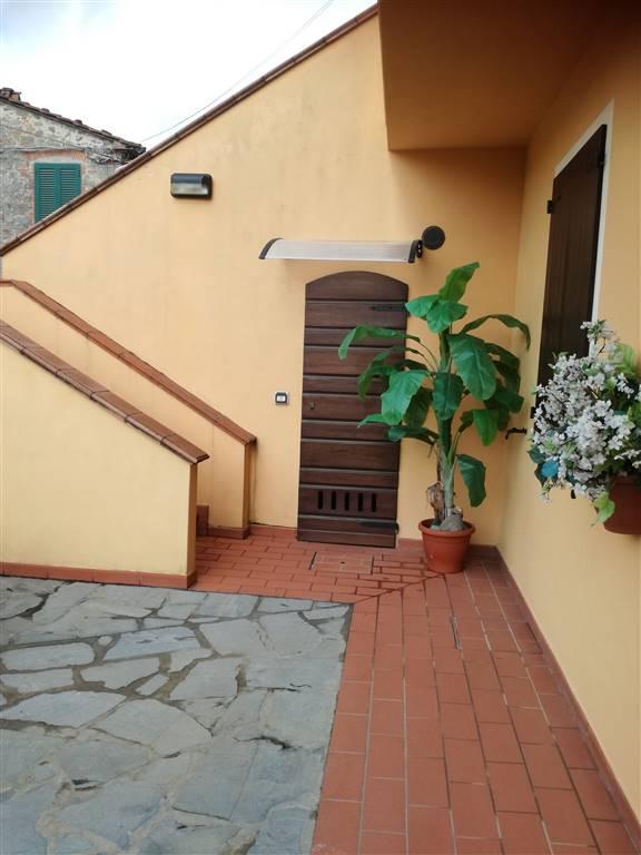 Terratetto, Rughi, Porcari, in ottime condizioni