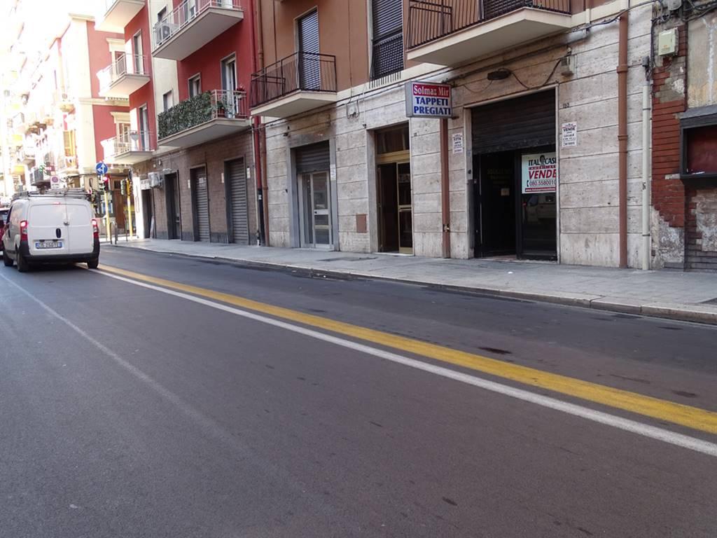 Negozio in Via Quintino Sella  123, Murat, Bari
