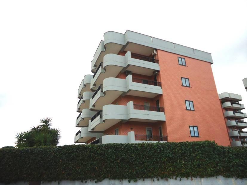 Trilocale in Via Gentile  69, Japigia, Bari