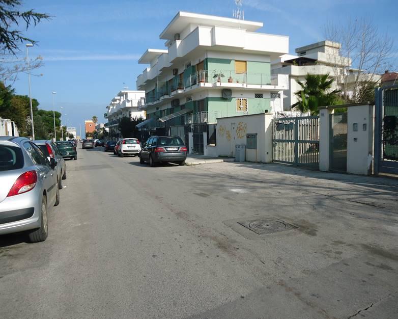 Bilocale in Via Martiri Della Resistenza  54, Torre a Mare, Bari