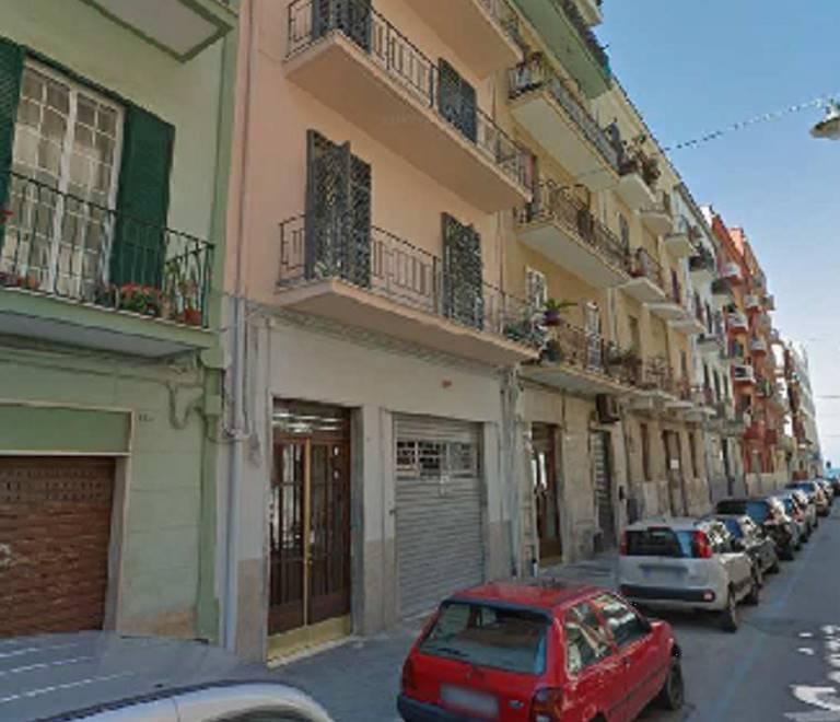 Negozio in Via Gorizia  20, Madonnella, Bari
