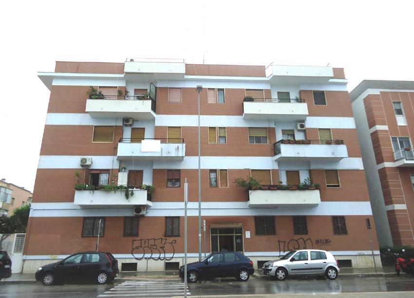 Trilocale in Viale Kennedy  36, Carrassi, Bari