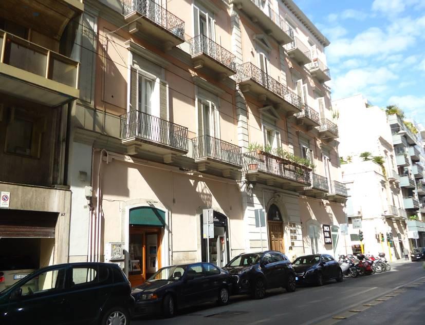 Negozio in Via Andrea Da Bari 145, Murat, Bari