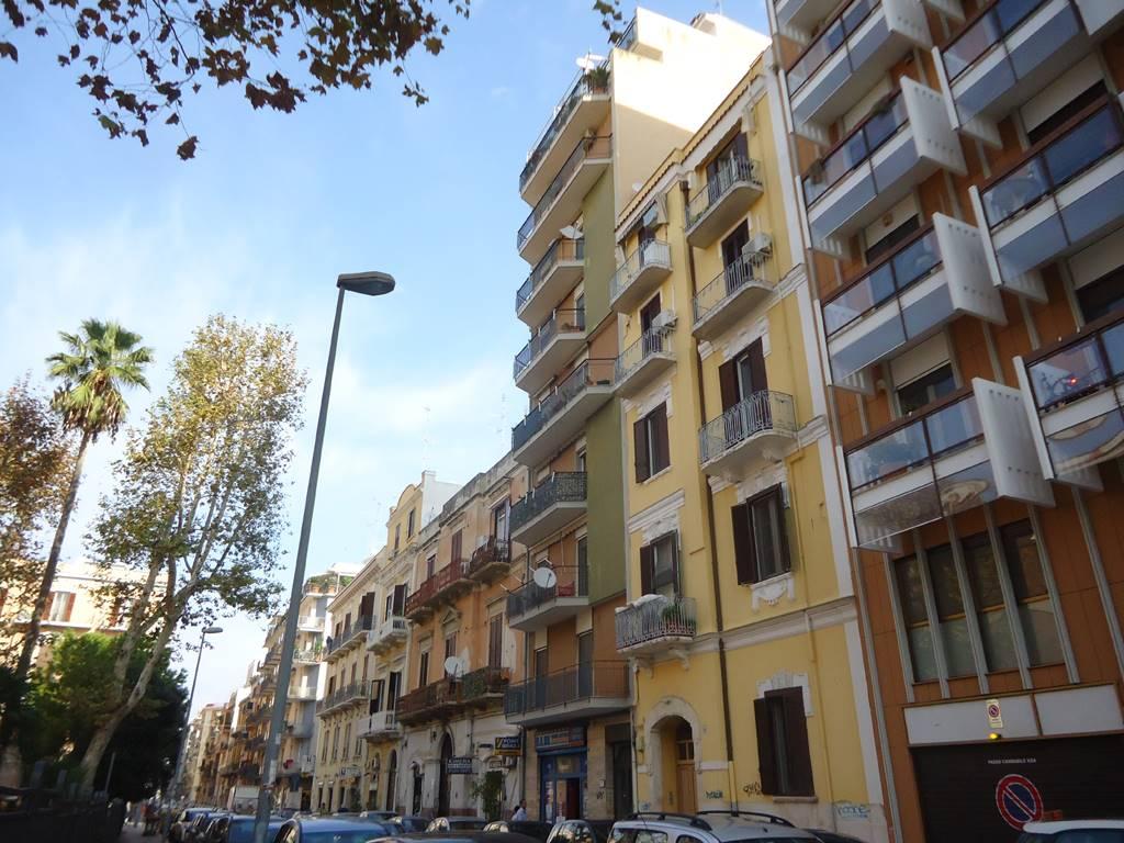 Quadrilocale in Piazza Balenzano  10/a, Murat, Bari
