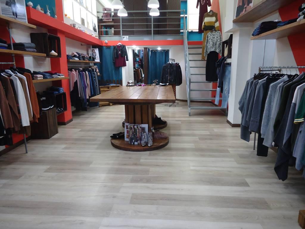 Negozio in Via Pavoncelli 116, Bari