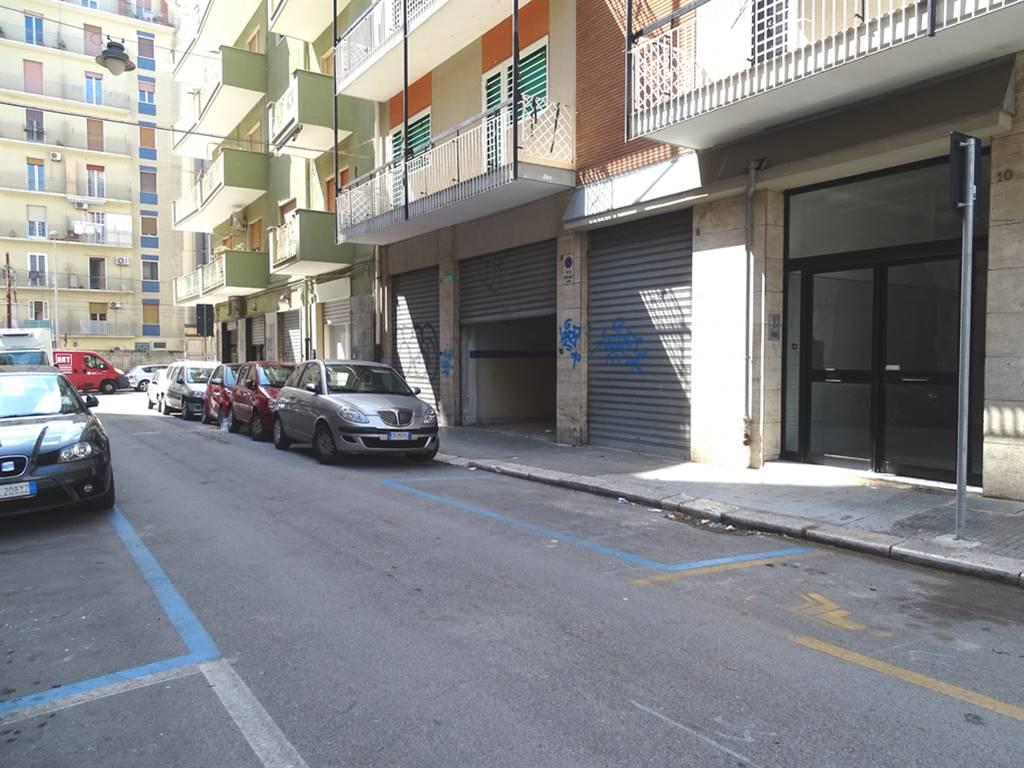 Negozio in Via Fabio Filzi 4 - 6 - 8, Madonnella, Bari