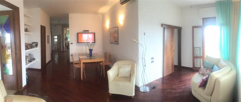 Appartamento in vendita a Chioggia, 6 locali, zona Località: BORGO SAN GIOVANNI, Trattative riservate | PortaleAgenzieImmobiliari.it