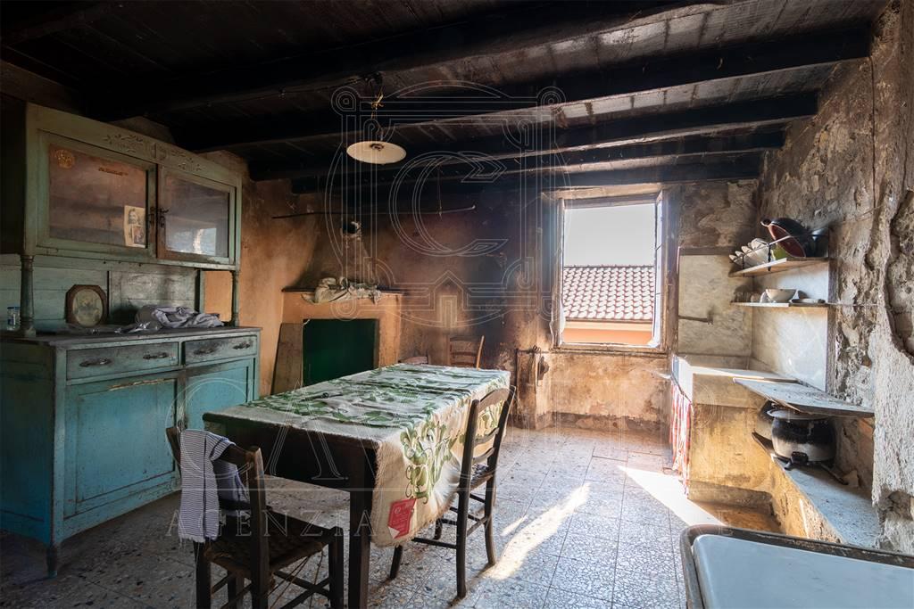 Case semi indipendenti genova in vendita e in affitto for Case indipendenti in affitto genova