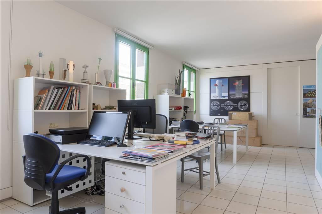 Ufficio / Studio in vendita a Montecatini-Terme, 2 locali, zona Località: CENTRO, prezzo € 160.000 | CambioCasa.it