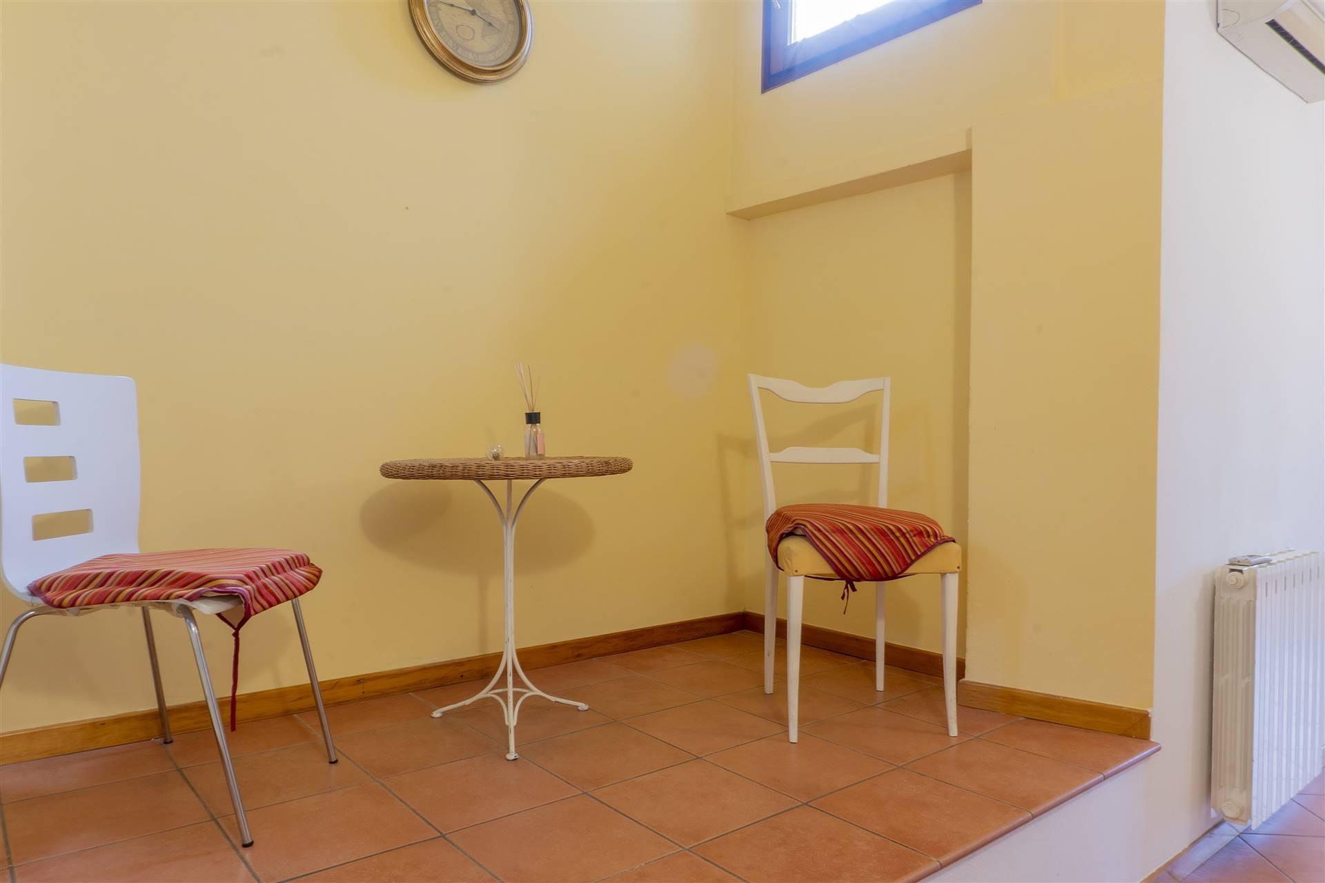 PESCIA, Appartamento in affitto di 84 Mq, Ottime condizioni, Riscaldamento Autonomo, Classe energetica: G, Epi: 339,1 kwh/m2 anno, posto al piano 1°
