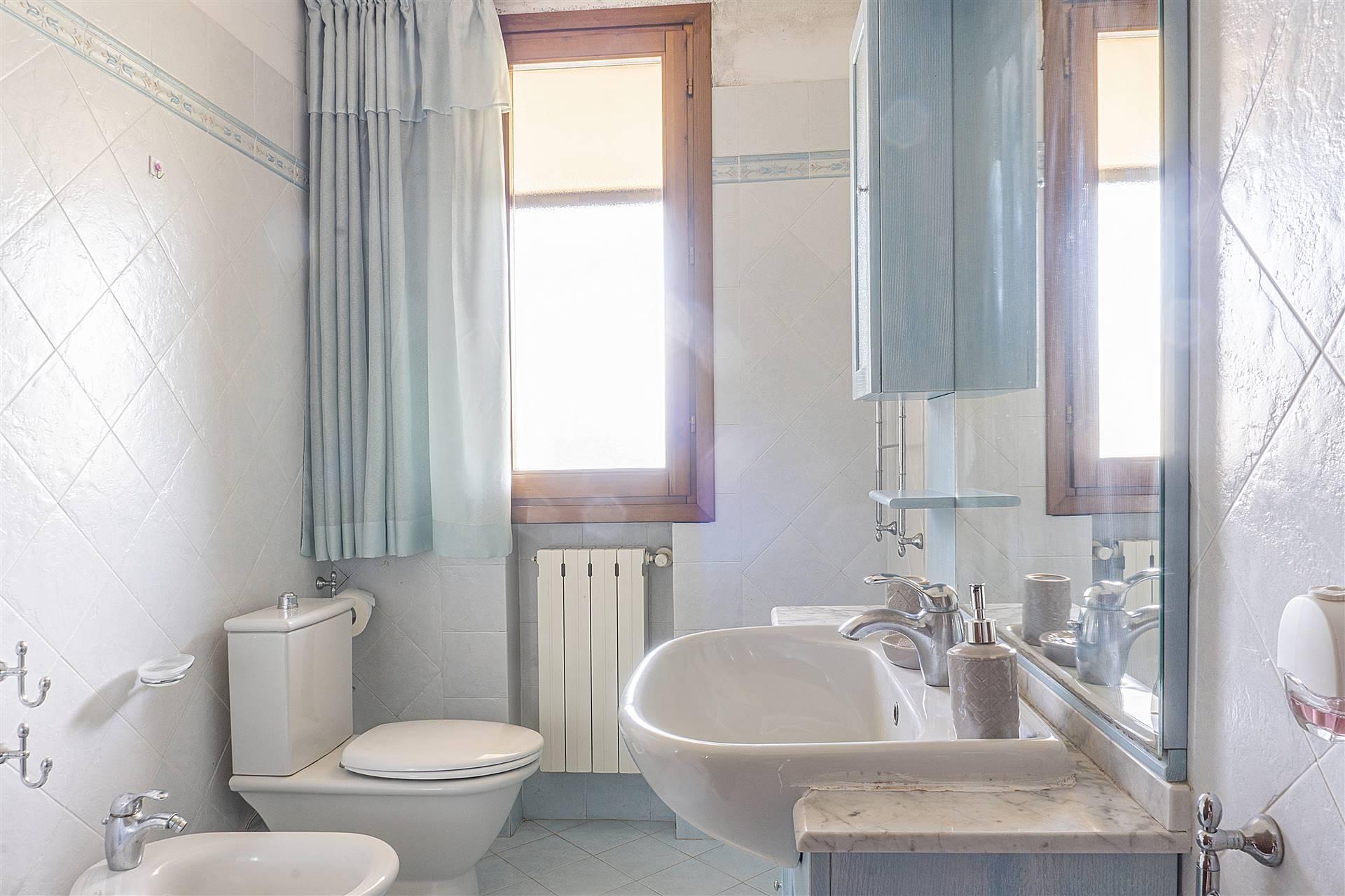 Bagno doccia/finestra