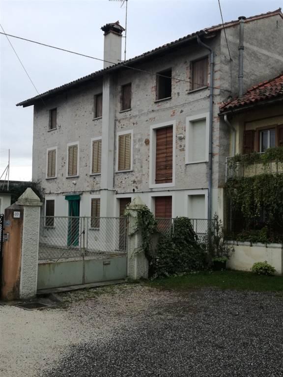 Soluzione Semindipendente in vendita a Martignacco, 6 locali, zona Zona: Nogaredo di Prato, prezzo € 89.000 | CambioCasa.it