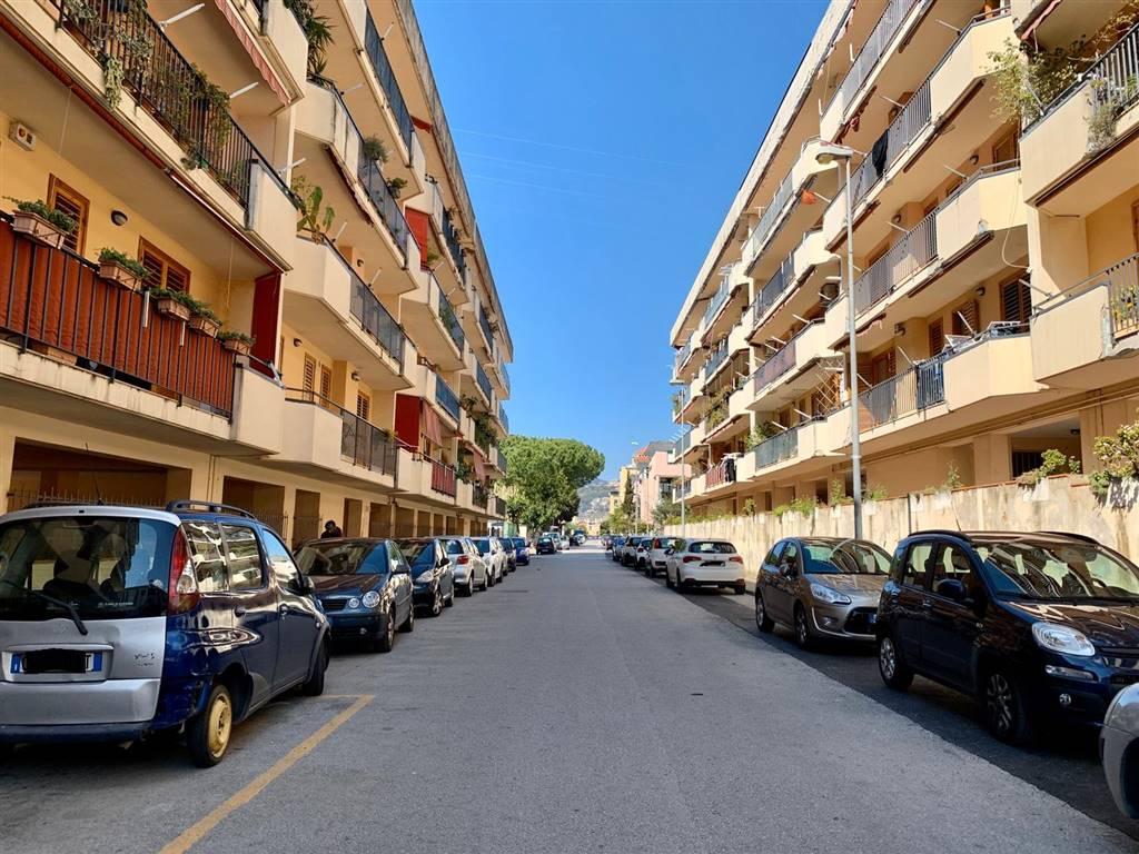 EUSTACHIO, SALERNO, Appartamento in vendita di 60 Mq, Abitabile, Classe energetica: G, Epi: 175 kwh/m2 anno, posto al piano 2°, composto da: 2 Vani,