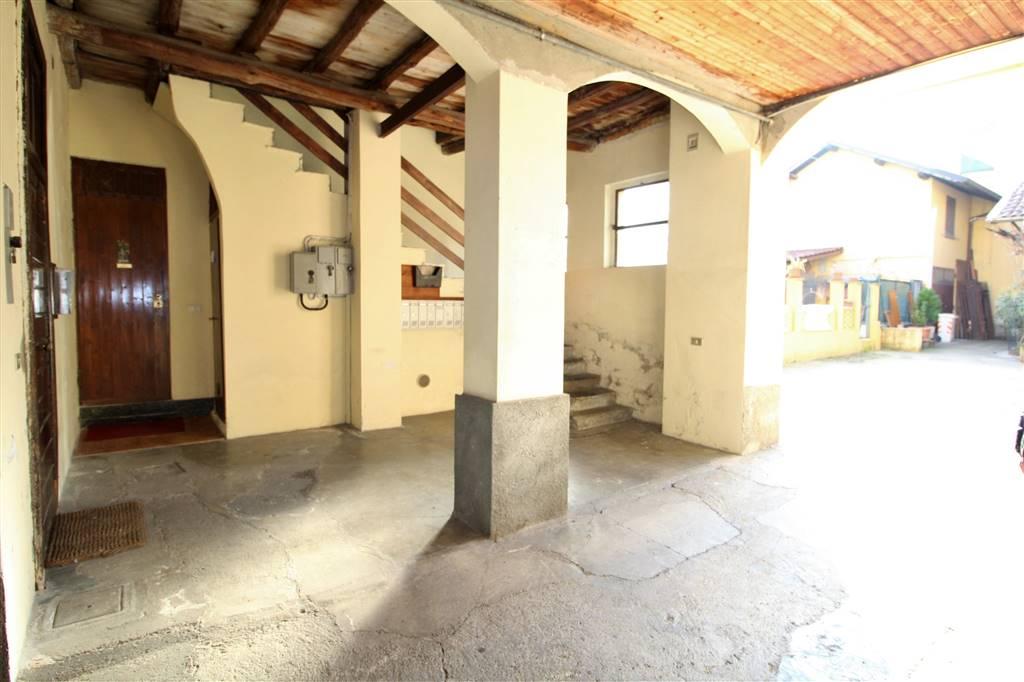 Bilocale in Via Garibaldi  5, Cavenago Di Brianza