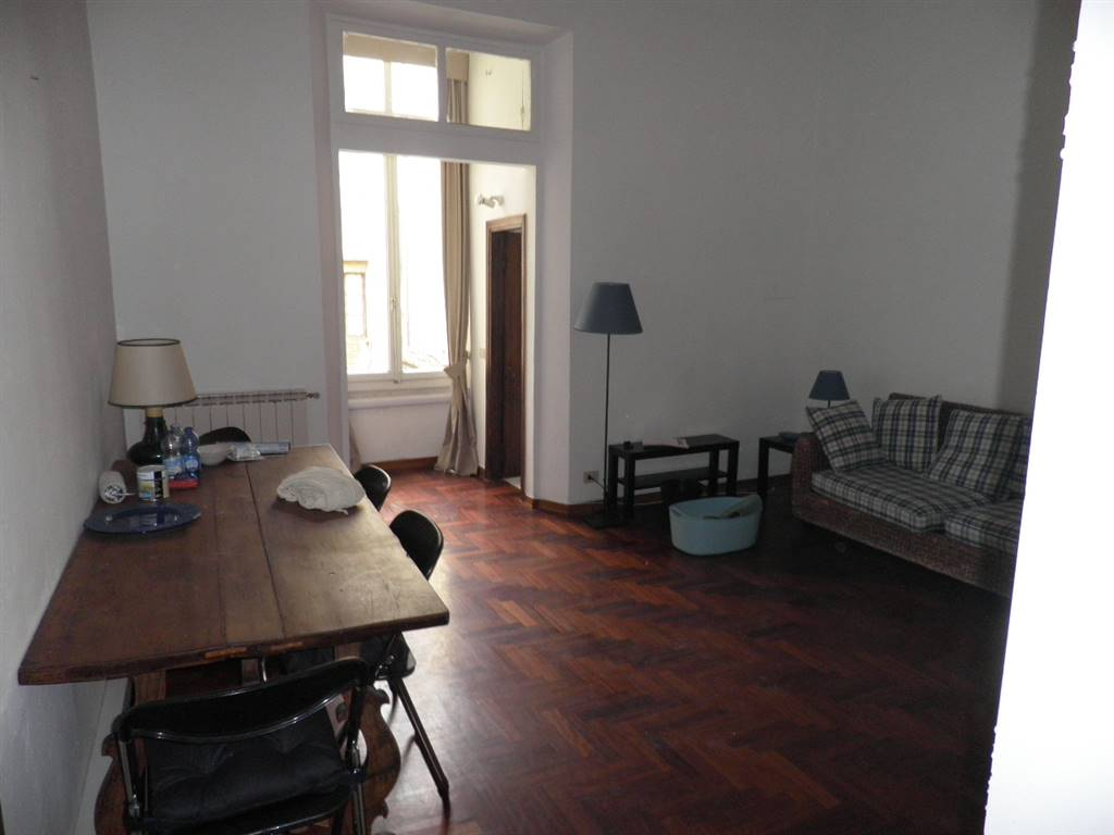 PONTE VECCHIO, FIRENZE, Apartment for rent of 75 Sq. mt., Good condition, Heating Individual heating system, Energetic class: G, Epi: 324 kwh/m2 year,