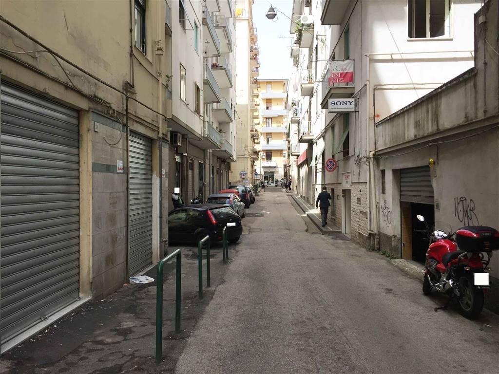 Magazzino in Via Francesco La Francesca 28, Carmine, Salerno