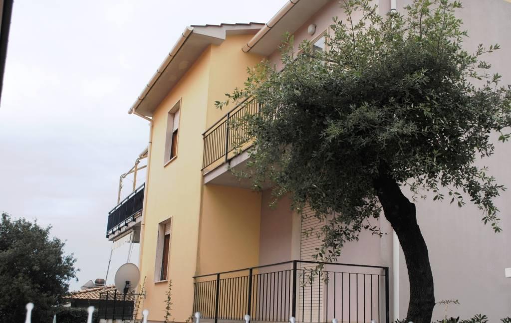 Bifamiliare in Via Rosmini  40, Rosignano Solvay, Rosignano Marittimo