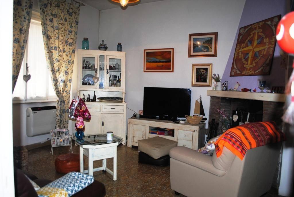 Villa bifamiliare a CECINA