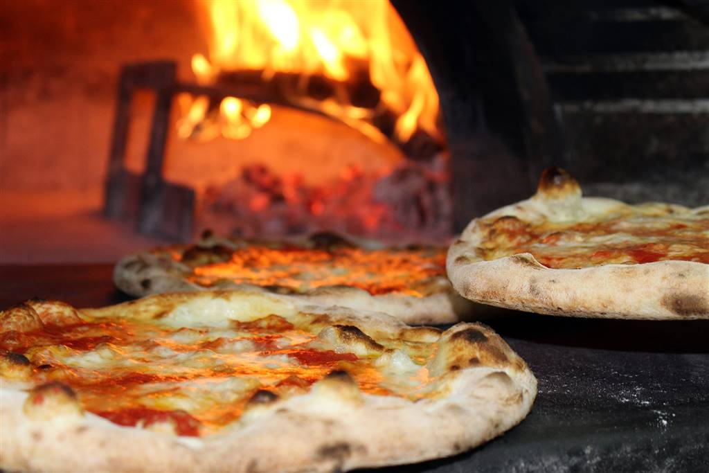 Pizzeria / Pub a CECINA