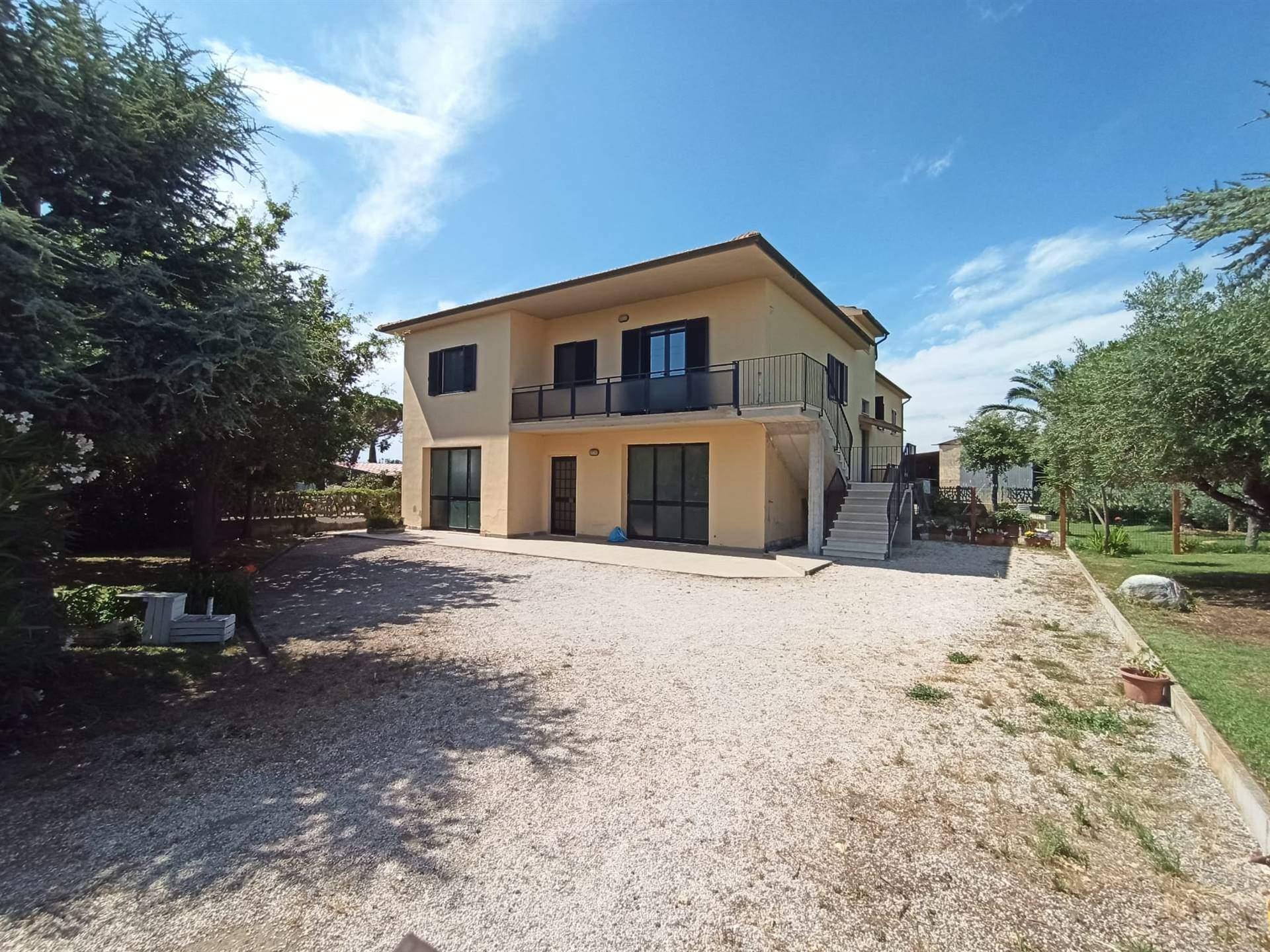Villa bifamiliareaCASTAGNETO CARDUCCI