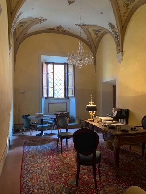 Ufficio / Studio in vendita a Pistoia, 2 locali, zona Zona: Centro storico, prezzo € 205.000 | CambioCasa.it