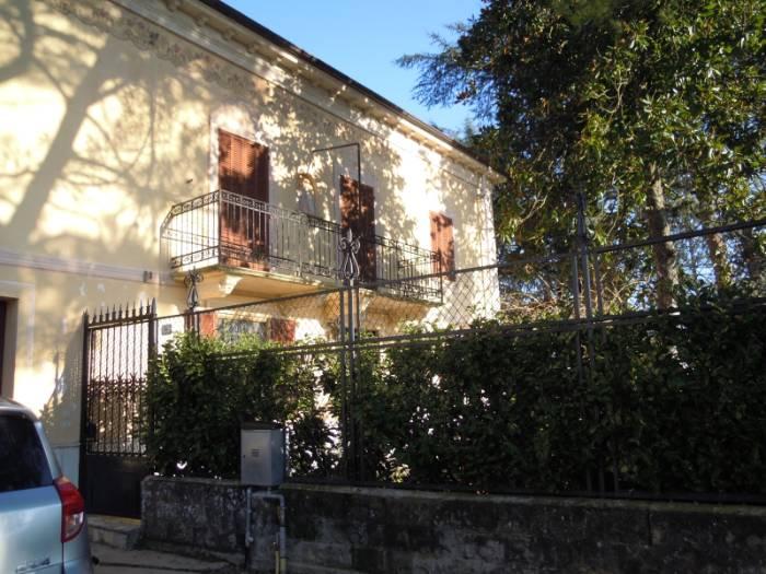 Rustico / Casale in vendita a Acqui Terme, 15 locali, Trattative riservate | CambioCasa.it