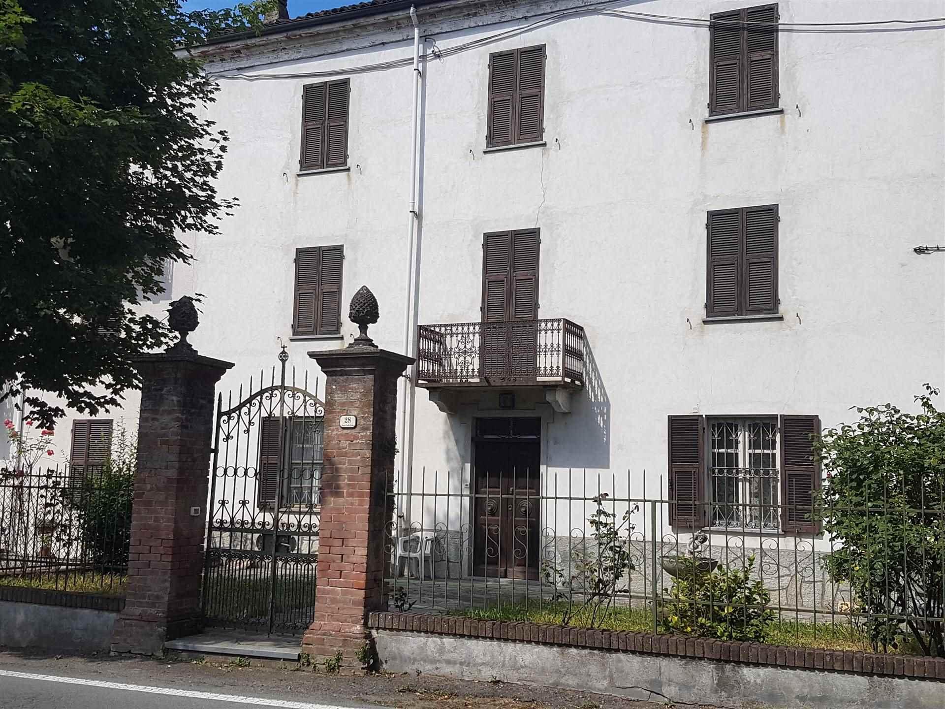 Soluzione Indipendente in vendita a Bistagno, 10 locali, prezzo € 150.000   CambioCasa.it