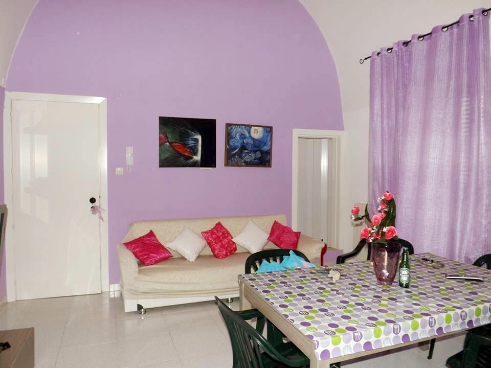 Casa singola in Via Ugo Foscolo 8, Canosa Di Puglia
