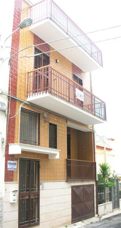 Casa singola in Via Catalano 10, Canosa Di Puglia