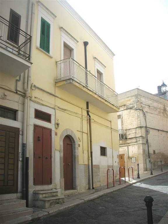 Vendita casa singola via salita arco diomede 12 canosa for Piano casa puglia