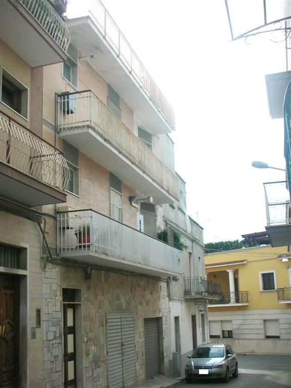 Quadrilocale in Via Bacone 8, Canosa Di Puglia